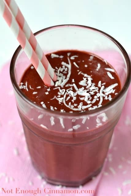 Raspberry Cinnamon Green Smoothie