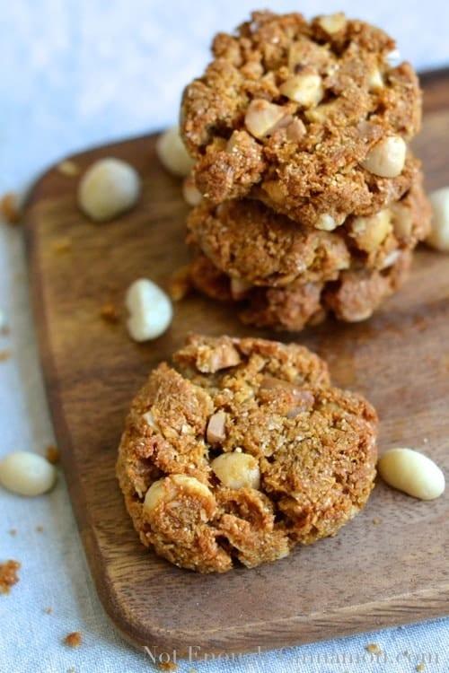 Paleo Macadamia Cookies - notenoughcinnamon.com